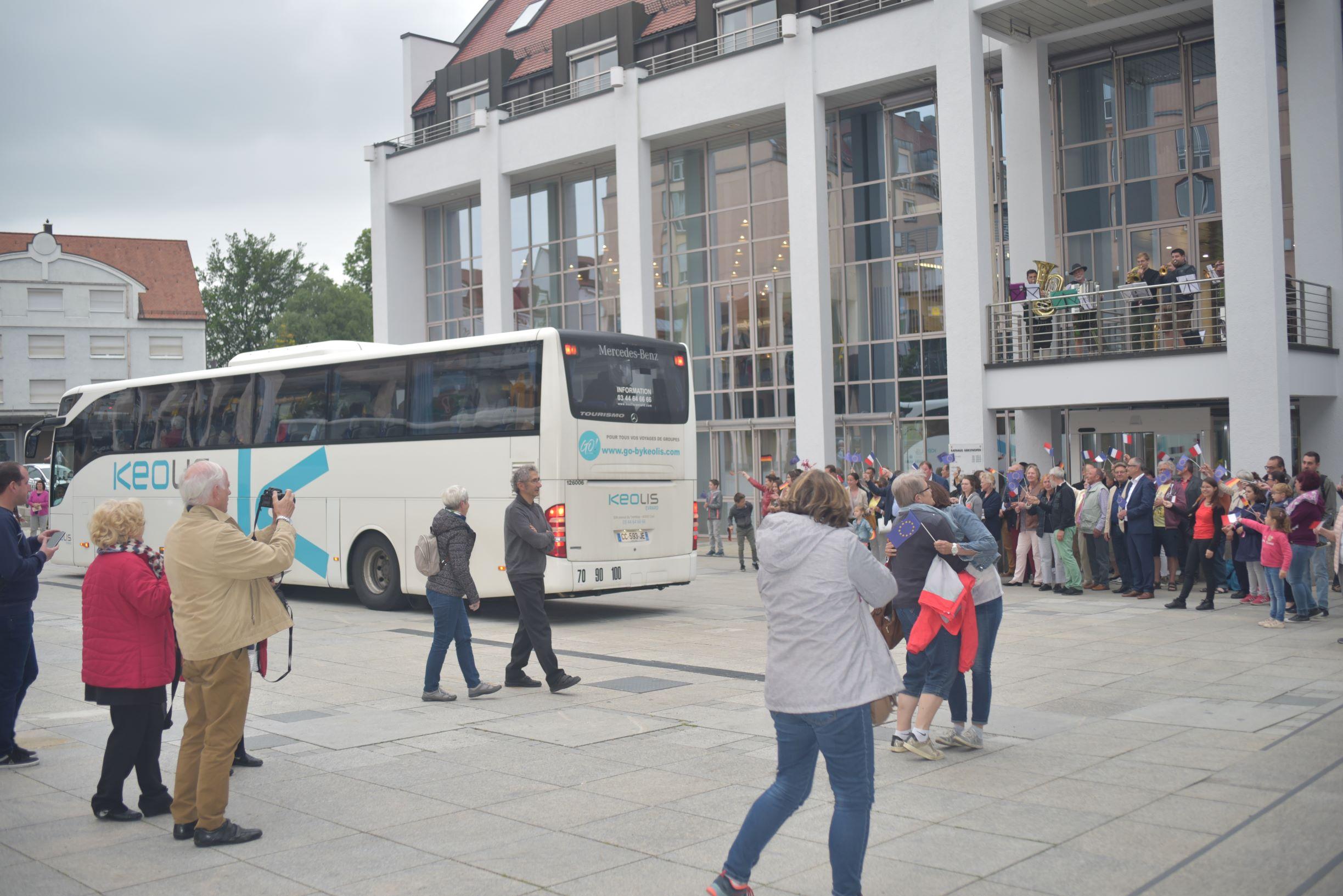 Mit über einer Stunde Verspätung kamen die Busse endlich an
