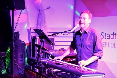 Robert Kraus unterhielt die Gäste mit Tanzmusik